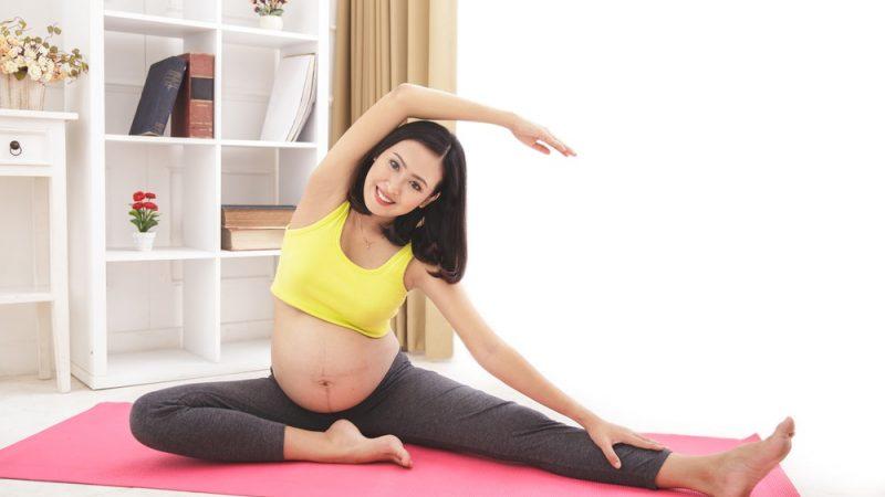 Mách mẹ bầu 8 bài tập yoga thuận lợi cho việc sinh con
