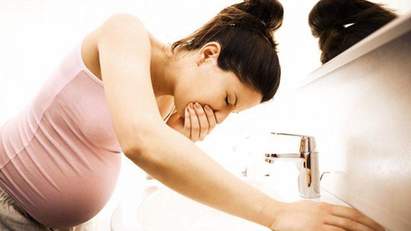 Nguyên nhân và cách khắc phục ốm nghén buổi tối cho phụ nữ mang thai
